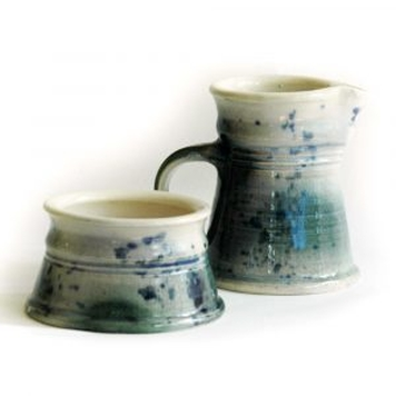 Cream and sugar set from speckled range