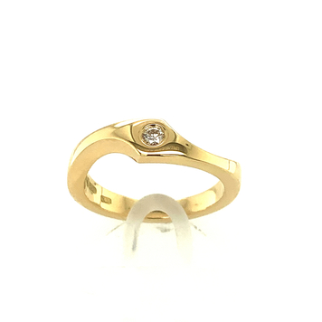 Contemporary 18ct Yellow Gold Ring