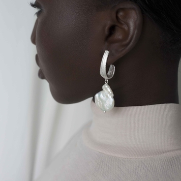 Strata Large Earrings with Pearl