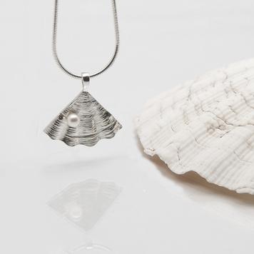 Shore Pearl Pendant