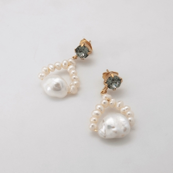 Baroque Pearl Loop Earrings