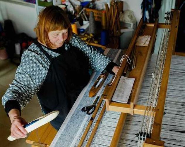 Beth Moran Handweaver Making Shot copy