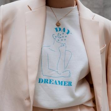 Head In The Stars - Day Dreamer V