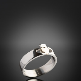 Contemporary Two Tone Claddagh Ring
