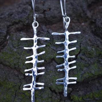 Love /grá sculpted earrings