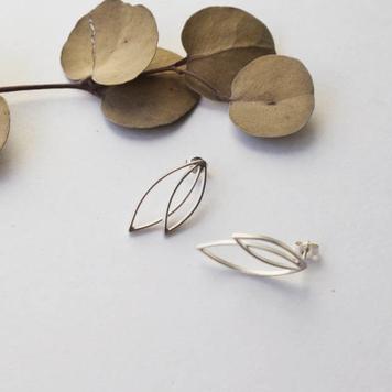 Line Leaf Earrings