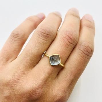 Aquamarine Sugarloaf Gold Ring